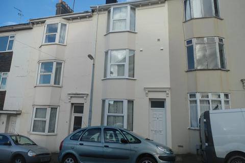 5 bedroom terraced house to rent - St Martins Place, Lewes Road
