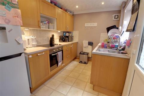 2 bedroom terraced house to rent - Caxton Road, Beccles