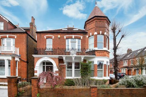 5 bedroom detached house for sale - Priory Road, Richmond, TW9