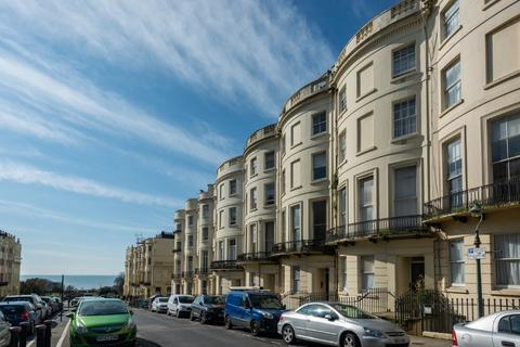 2 bedroom flat for sale - Brunswick Place, Hove, East Sussex, BN3