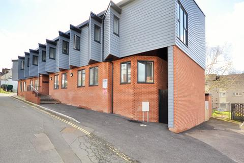 Studio to rent - Lower Albert Street, Exeter, EX1 2FS