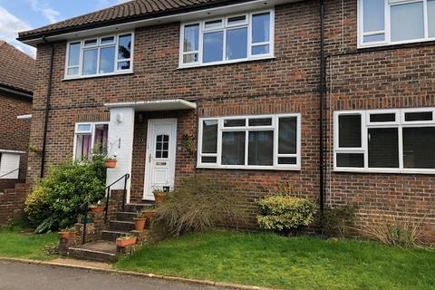 2 bedroom flat to rent - Heath Road, , Haywards Heath, RH16 3AU