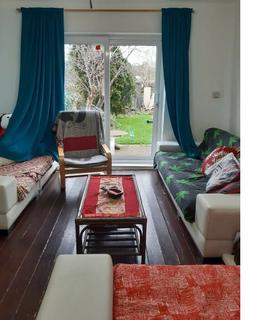 3 bedroom semi-detached house to rent - Compton Crescent  N17