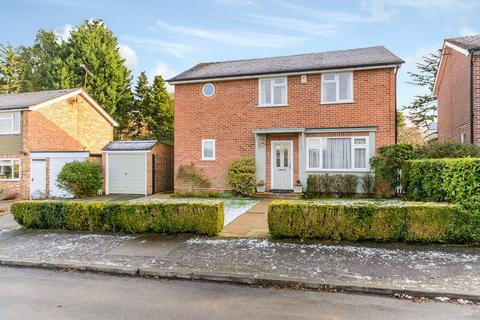 3 bedroom detached house to rent - Cardwell Crescent, Sunninghill, Berkshire