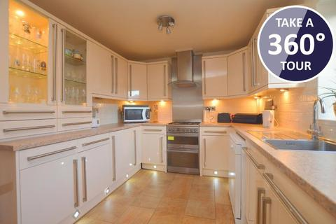 2 bedroom detached bungalow for sale - Neville Road, Limbury, Luton, Bedfordshire, LU3 2JQ