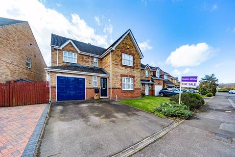 4 bedroom detached house for sale - Millers Way, Houghton Regis