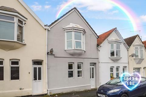 3 bedroom terraced house for sale - HIGHLY POPULAR LOCATION, WELL PRESENTED STARTER HOME OR IDEAL INVESTMENT.