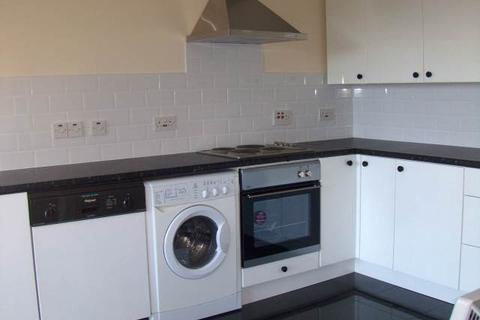 2 bedroom flat to rent - Beatty Court, Cardiff Bay, Cardiff