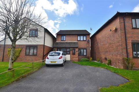 3 bedroom detached house for sale - Johnstown, Carmarthen