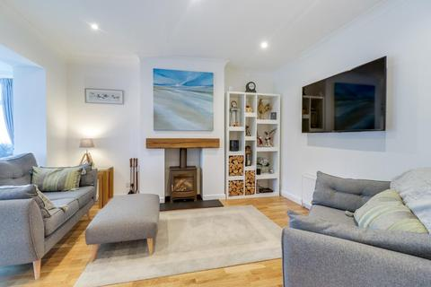 3 bedroom semi-detached house for sale - Crowther Avenue, Calverley