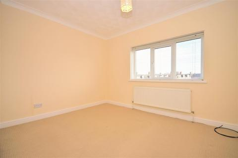 3 bedroom semi-detached house to rent - Devon Drive, Silksworth, Sunderland