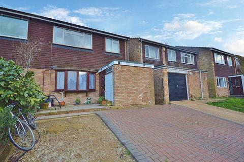 3 bedroom semi-detached house for sale - Upton Close, Park Street, St. Albans