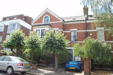 2 bedroom flat to rent - Montserrat Road, Putney, SW15