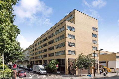 3 bedroom flat - Porchester Square, London