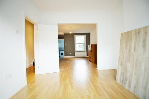3 bedroom house to rent - Warwick Road, London
