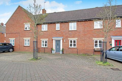 3 bedroom terraced house for sale - Dunvant Road, Redhouse, Swindon, Wiltshire, SN25