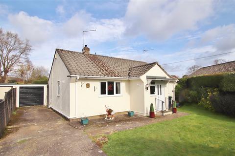 2 bedroom bungalow for sale - Meadow Way, Verwood, Dorset, BH31
