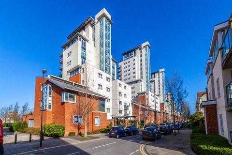3 bedroom penthouse for sale - Erebus Drive, Thamesmead/Woolwich Borders