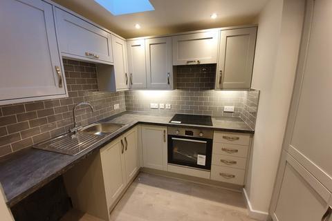 2 bedroom flat to rent - Church Lane