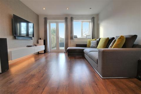 2 bedroom terraced house for sale - Turpins Close, Hertford