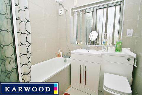 3 bedroom terraced house to rent - South Hayes