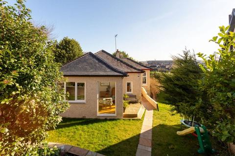 3 bedroom detached bungalow for sale - 18 Belmont Crescent,