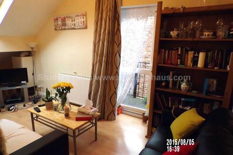 3 bedroom flat to rent - Moorfield Road, Manchester, M20 2UY