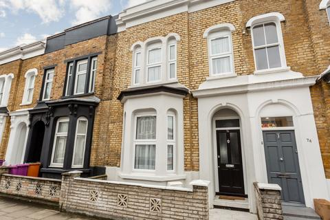 5 bedroom terraced house to rent - Clinton Road, E3