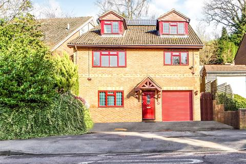 4 bedroom detached house to rent - Lower Elmstone Drive, Tilehurst, Reading, Berkshire, RG31