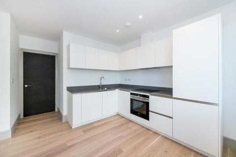 Studio to rent - Finchley High Road, North Finchley, N12