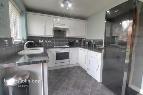 3 bedroom terraced house for sale - Hughes Drive, Crewe