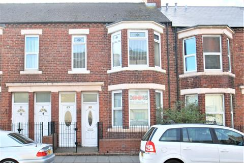 3 bedroom flat for sale - Chichester Road, South Shields