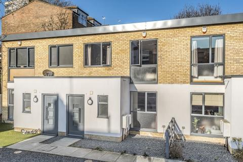 2 bedroom house to rent - Peckham SE15