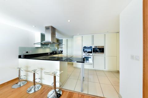 2 bedroom apartment to rent - No1 West India Quay, Canary Wharf, London E14
