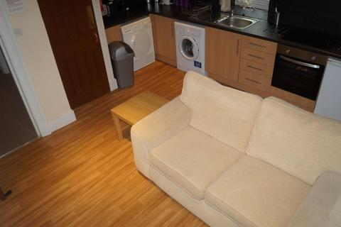 3 bedroom flat to rent - Marischal Street, Aberdeen AB11