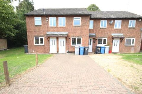2 bedroom semi-detached house to rent - walsingham avenue, kettering NN15