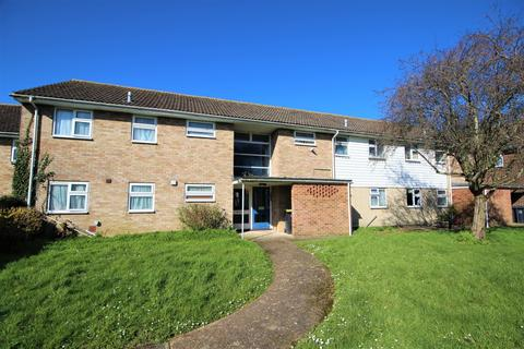 1 bedroom flat to rent - Bushby Close, BN15