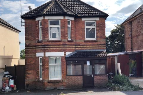 4 bedroom detached house to rent - Ashley Road