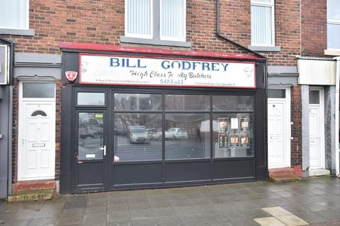 Retail property (high street) to rent - Sea Road, Fulwell