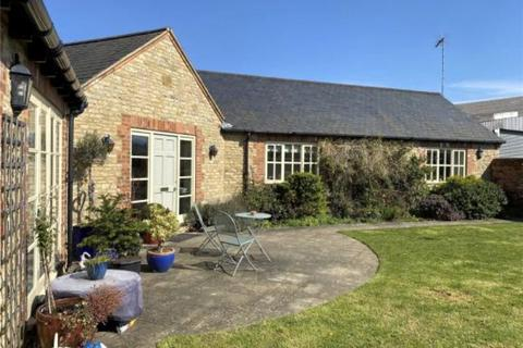 3 bedroom barn conversion to rent - Station Road, Grendon, Northamptonshire, NN7
