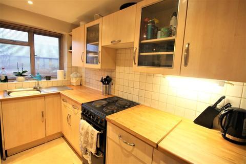 2 bedroom apartment to rent - Weydon Lane, Farnham
