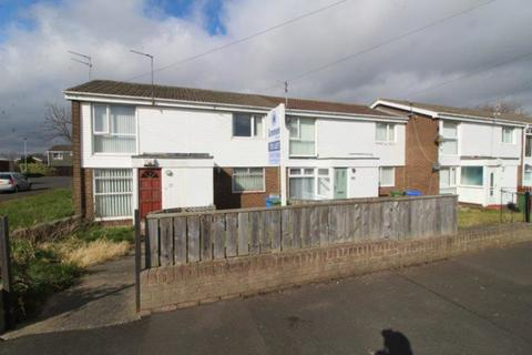 2 bedroom flat to rent - Holystone Close, Newsham Farm Estate, Blyth
