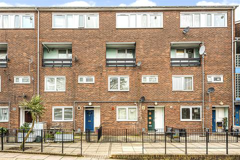 3 bedroom apartment for sale - Atwater Close, London, SW2