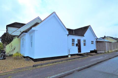 3 bedroom bungalow to rent - Church Road, Ramsden Heath, Essex
