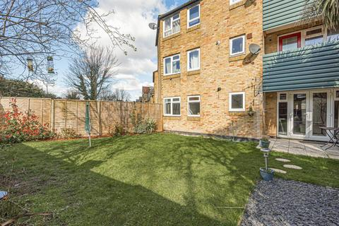 2 bedroom flat for sale - Corona Road, Lee