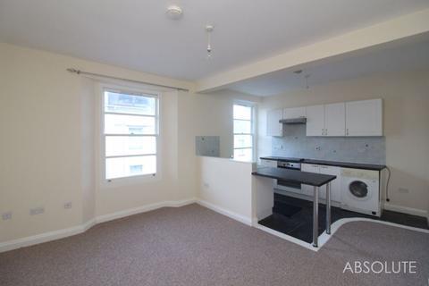 3 bedroom apartment to rent - Warren Road, Torquay