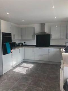 7 bedroom detached house to rent - Park Rise, Leicester