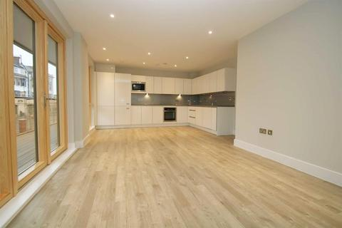 3 bedroom apartment to rent - Kings Arms Court, Acton, W3
