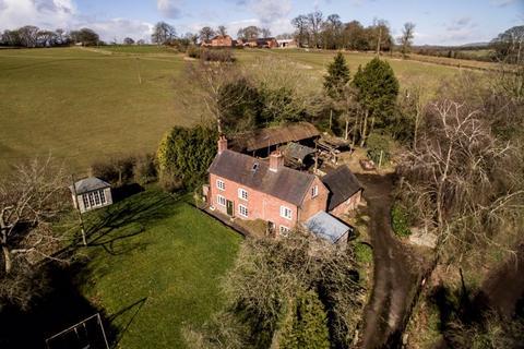 3 bedroom farm house for sale - Holly Farm, Snelston