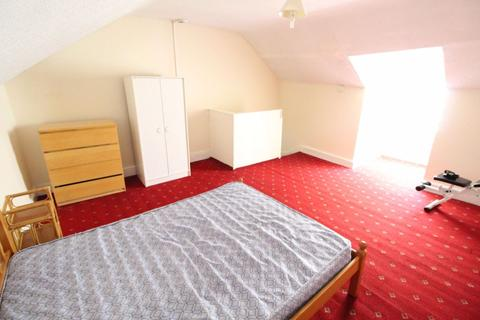 5 bedroom house to rent - 5 Bed House, Town/South Luton P0840